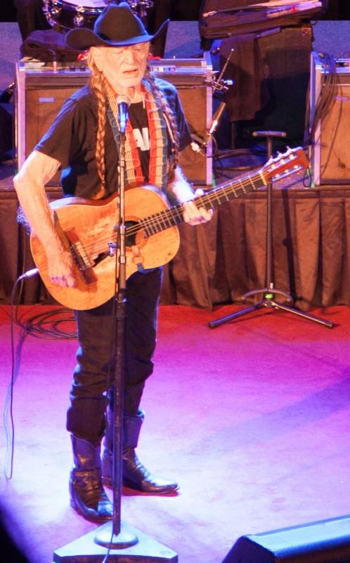 Willie Nelson, Stiefel Theater, Salina KS
